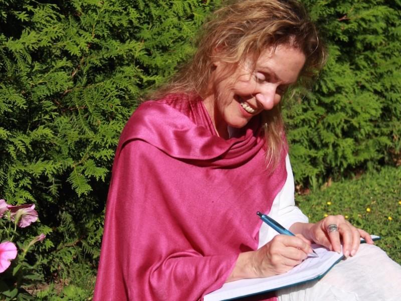 Lise écrivaine l1200 fleurs modif