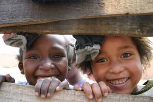 12 Les petites filles du bidonville